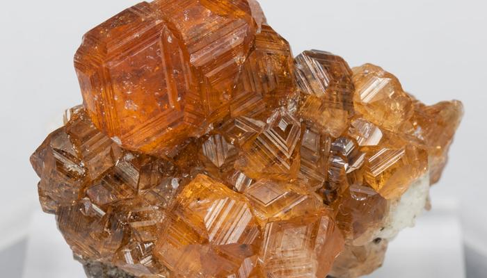 Гессонит минерал