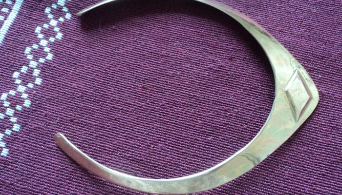 Литой металлический обруч