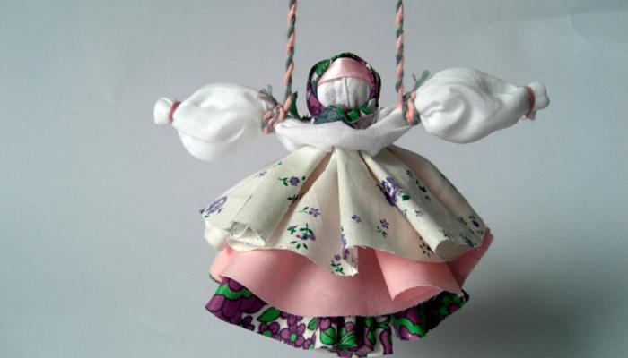 Обереговая куколка Колокольчик