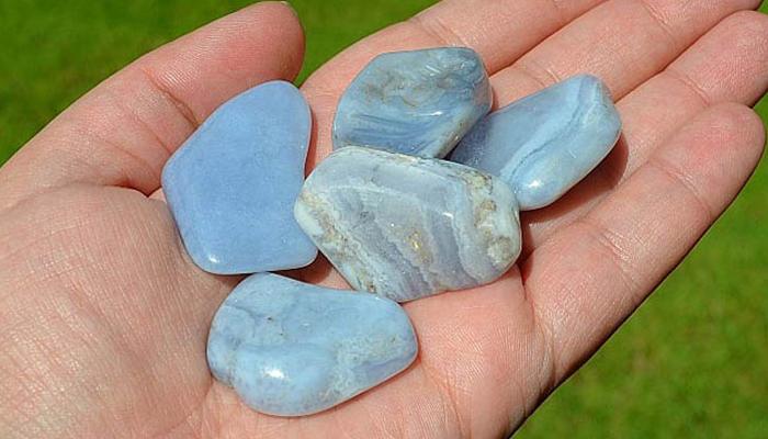 Минерал голубой агат
