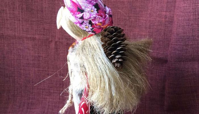 Волосы у оберега Баба Яга