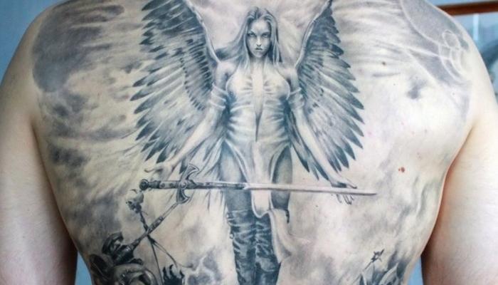 Татуировка Валькирия на спине